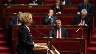 وزيرة العمل مورييل بينيكو في الجمعية العامة الفرنسية 20 ديسمبر