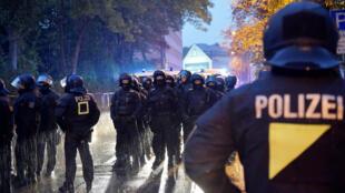 Depuis deux semaines, l'extrême droite allemande organise des rassemblements violents à Chemnitz (Saxe)
