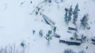 الانهيار الثلجي في إيطاليا