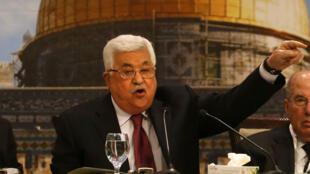 الرئيس الفلسطيني محمود عباس أمام المجلس الوطني الفلسطيني في 30 نيسان/أبريل 2018