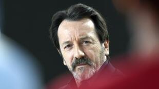 L'acteur Jean-Hugues Anglade accuse les agents du Thalys d'avoir abandonné les passagers.