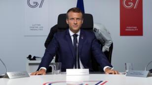 الرئيس الفرنسي إيمانويل ماكرون خلال قمة مجموعة السبع في بياتريس الفرنسية.