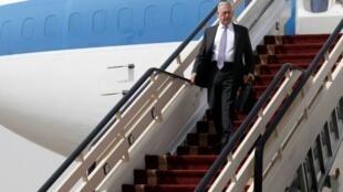 وصول وزير الدفاع الأمريكي جيمس ماتيس إلى قاعدة الرياض الجوية في 18 أبريل 2017 في مستهل جولة بالشرق الأوسط