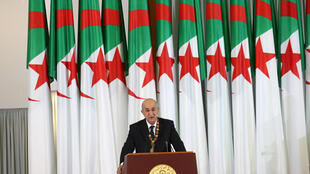 2019-12-19T111943Z_1741038472_RC2BYD986ZA3_RTRMADP_3_ALGERIA-ELECTION-OATH