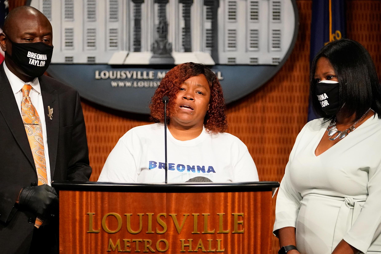 La famille de Breonna Taylor lors d'une conférence de presse le 15 septembre 2020 à Louisville, dans le Kentucky.
