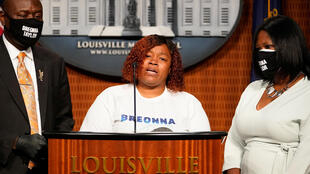 Tamika Palmer, the mother of Breonna Taylor, speaks during a news conference announcing a $12 million civil settlement between the estate of Breonna Taylor and the City of Lousiville, in Louisville, Kentucky, U.S., September 15, 2020.