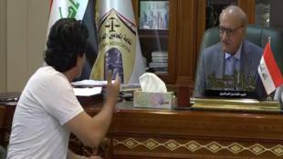 ممثل عن المتظاهرين ورئيس نقابة المحامين العراقيين.