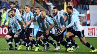 Les joueurs de l'Albiceleste au moment de la délivrance, le 27 juin à Vina del Mar (Chili).