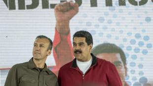 Le président vénézuélien Nicolas Maduro (à droite) et son vice-président de l'époque Tareck El Aissami lors d'un meeting à Carcas, en janvier 2017