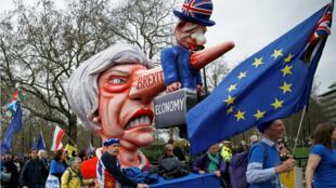 Des manifestants anti-Brexit à Londres le 23 mars.
