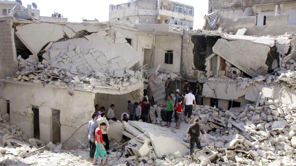 Alep - Un immeuble détruit par des barils d'explosifs largués par hélicoptères (archives)