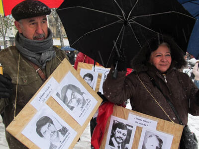 Edicto Garay and his partner Angélica take part in a 2010 demonstration in Paris to demand justice for four French nationals who were killed by the regime of dictator Augusto Pinochet.