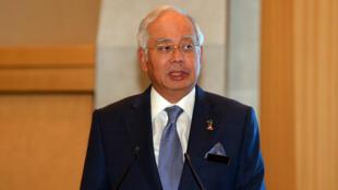 """Le Premier ministre malaisien, Najib Razaq, a dénoncé une décision """"détestable"""", faisant des Malaisiens en Corée du Nord des """"otages""""."""