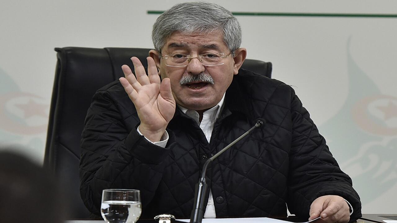 أحمد أويحيى، الحليف الرئيسي للرئيس الجزائري السابق، خلال مؤتمر صحفي في العاصمة الجزائر، 2 فبراير/شباط 2018