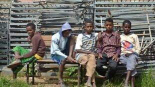 لاجئون أريتريون في مخيم أنداباغونا بشمال أثيوبيا في 28 آب/ أغسطس 2014