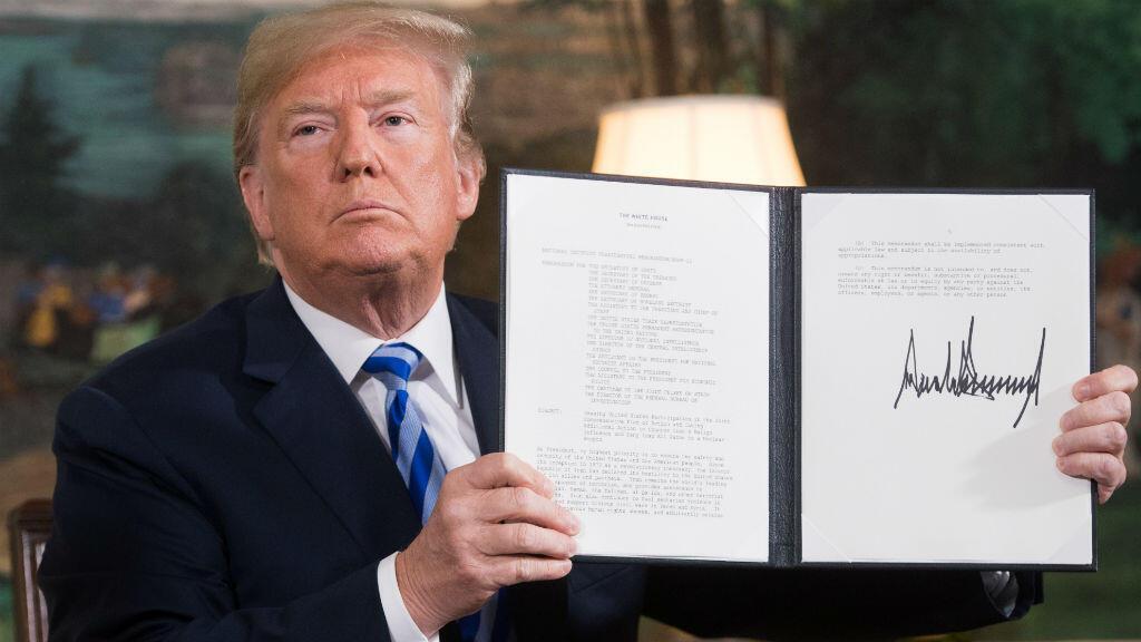 El presidente estadounidense, Donald Trump, en la Casa Blanca, en Washington, el 8 de mayo de 2018, tras la firma del documento mediante el cual restableció las sanciones contra Irán luego de anunciar la retirada de su país del Acuerdo Nuclear.