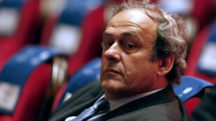 Michel Platini a annoncé qu'il renonçait à la présidence de la Fifa.