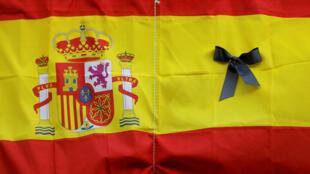 2020-05-26T193439Z_173611967_RC2JWG9KFSDI_RTRMADP_3_HEALTH-CORONAVIRUS-SPAIN-MOURNING