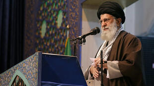 20200117-khamenei-priere-tribune