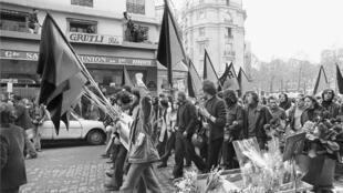 Manifestantes anarquistas en París, el 1 de mayo de 1972.