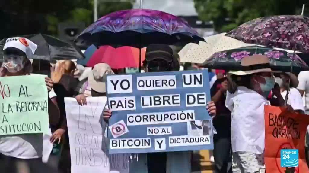 2021-09-16 17:07 Conmemoración del bicentenario en El Salvador se ve opacada por protestas contra Nayib Bukele