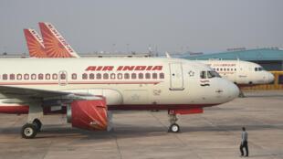 طائرة تابعة لشركة اير انديا في مطار انديرا غاندي في نيودلهي بتاريخ 2 آذار/مارس 2020