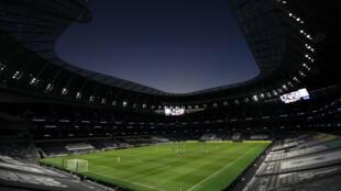 Le stade de Tottenham à huis clos pour la réception d'Everton, le 6 juillet 2020, devrait accueillir du public comme d'autres enceintes sportives en octobre