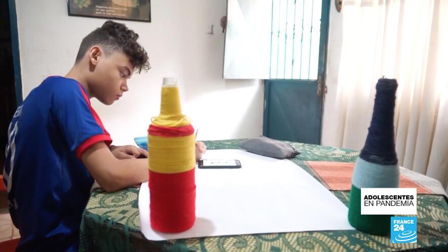 Gabriel se inscribió a un curso de dibujo para aligerar el tedio del encierro.