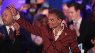لوري لايتفوت خلال إلقاء خطاب الفوز ببلدية شيكاغو، 2 أبريل/نيسان 2019
