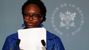 Sibeth Ndiaye lors de la conférence de presse hebdomadaire qui suit le Conseil des ministres à l'Elysée, le 17 juin 2020
