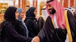 ولي العهد الأمير محمد بن سلمان يلتقي سعوديات في 6 حزيران/يونيو 2018 في جدة
