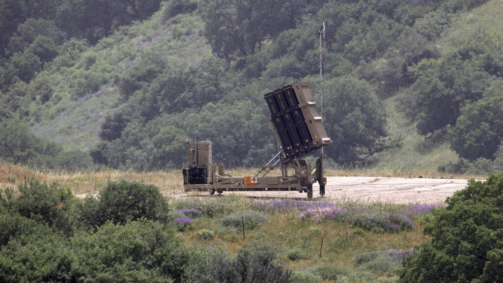 Syria fires at Golan after Israeli raids south of Damacus