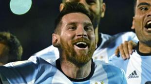 L'Argentin Lionel Messi célèbre son but, le 10 octobre, à Quito.