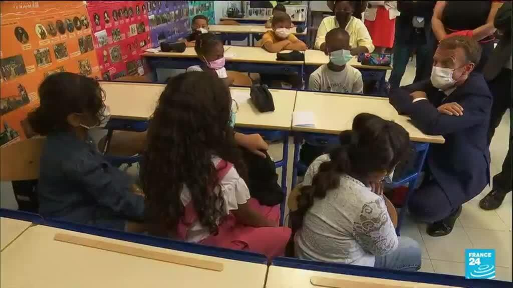 2021-09-02 15:10 Emmanuel Macron à Marseille : le président en visite dans une école populaire de la ville