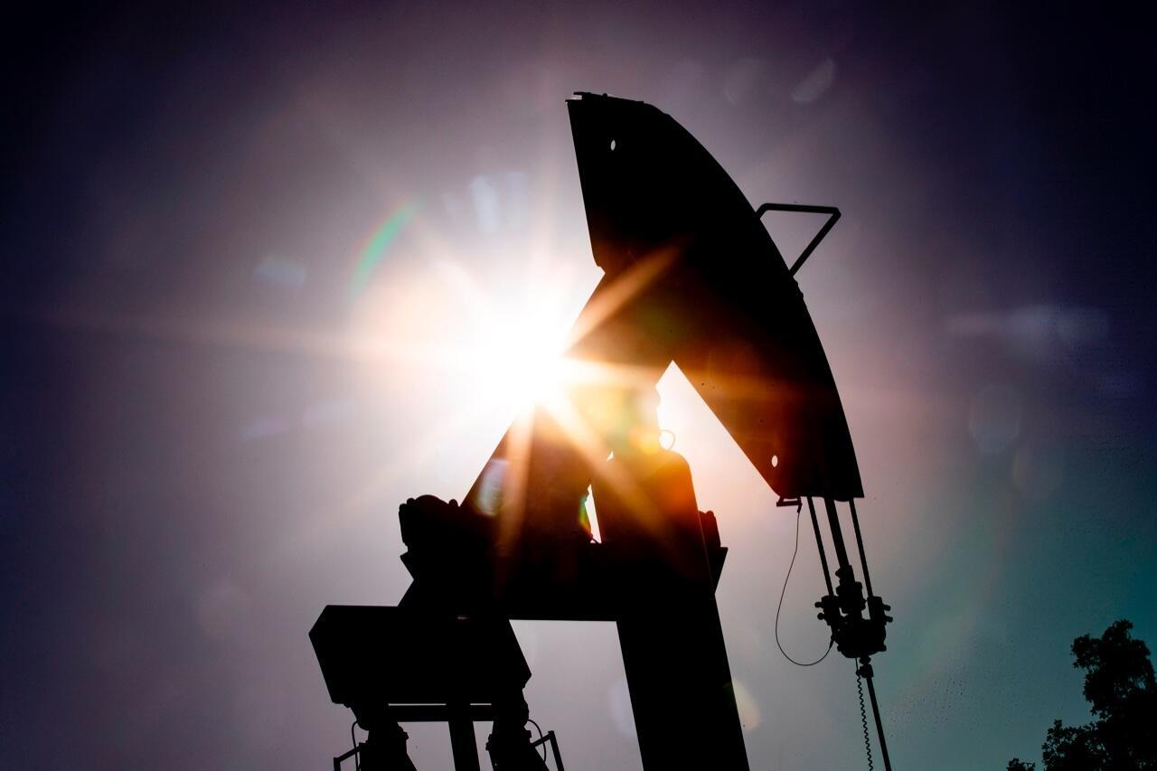 Una de las bombas de una planta petrolífera en Signal Hill, California, Estados Unidos, el 21 de abril de 2020.