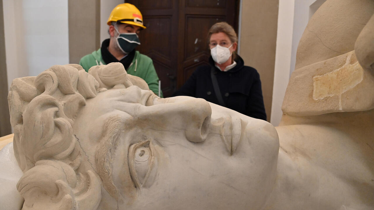 Michelangelo's David gets a 3D-printed twin - France 24