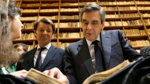 François Fillon en campagne à la médiathèque de Troyes, le 7 février.