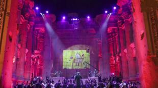 L'Orchestre philharmonique du Liban répète pour l'unique soirée du Festival international de Baalbek, au Liban, le 4 juin 2020