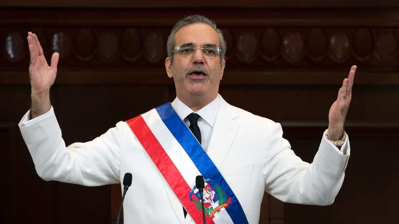 El presidente de República Dominicana, Luis Abinader, ofrece un discurso durante su ceremonia de posesión, en Santo Domingo, República Dominicana, el 16 de agosto de 2020.