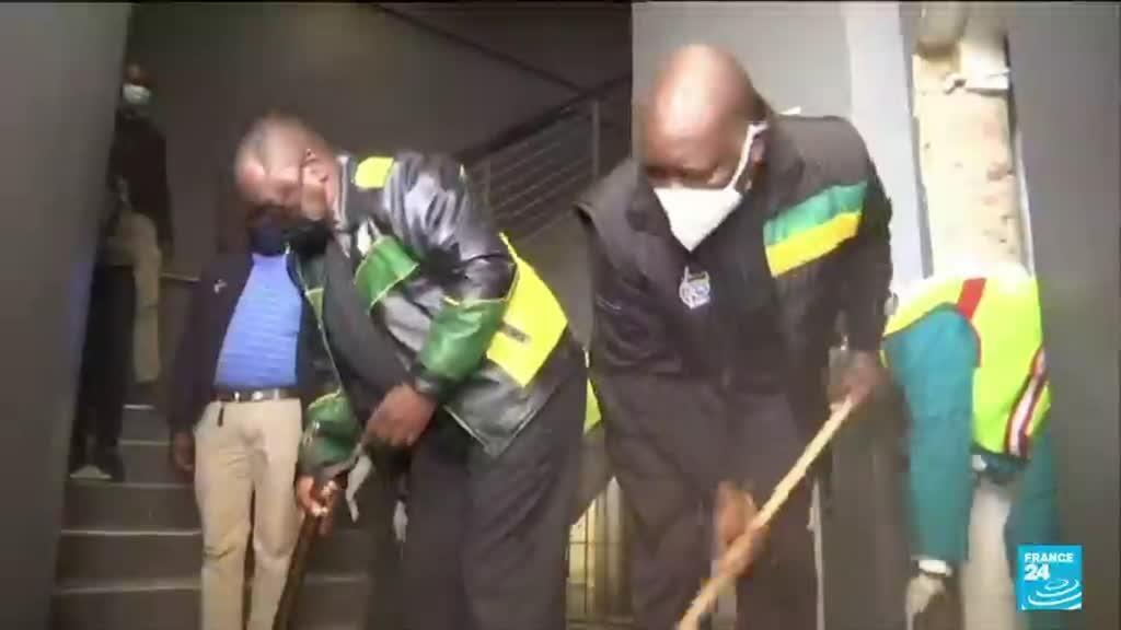 2021-07-19 10:42 L'Afrique du Sud à l'heure du nettoyage après les violences ayant secoué le pays