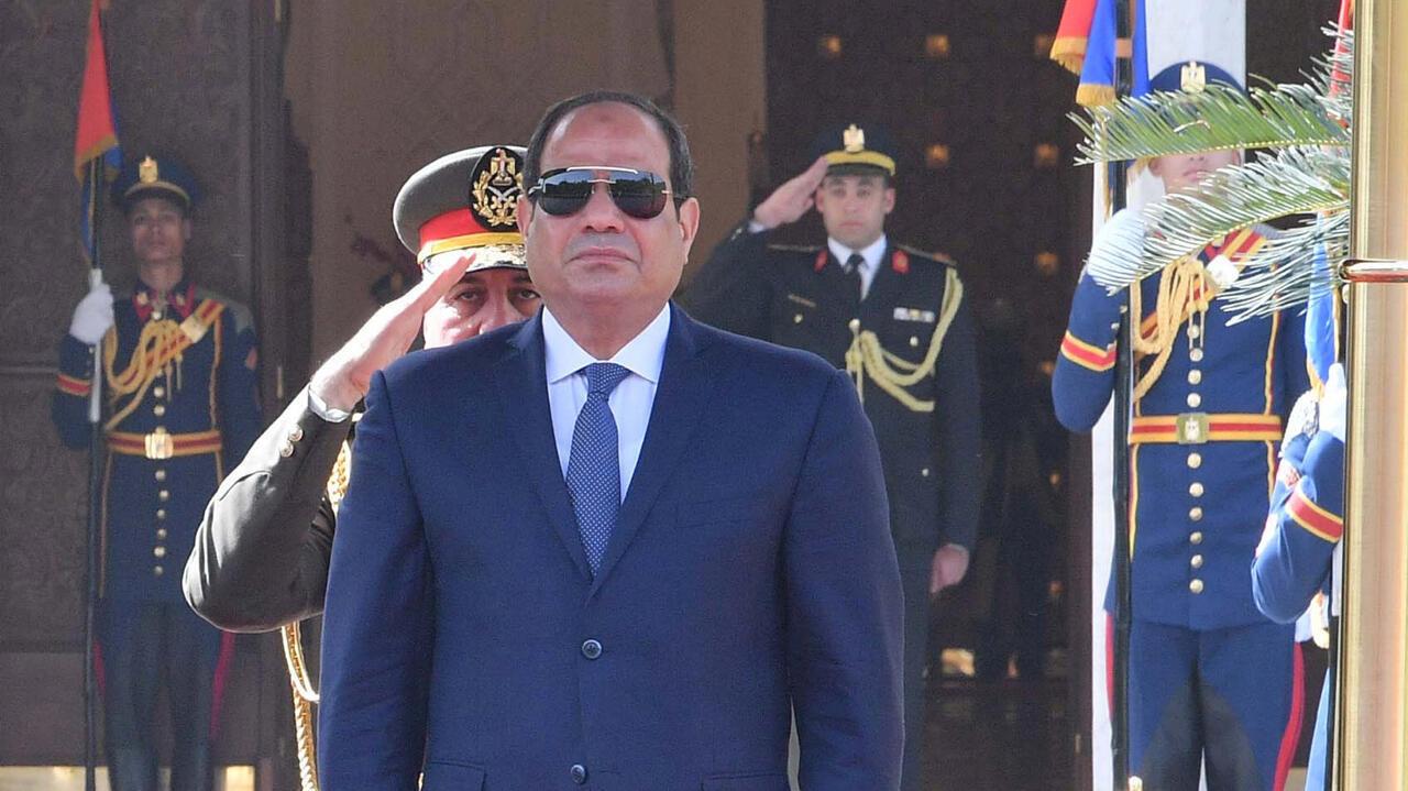 El Parlamento egipcio propone ampliar el periodo del actual presidente, Abdel Fattah Al-Sisi, con la intención de darle el tiempo necesario para la aplicación de sus reformas económicas.