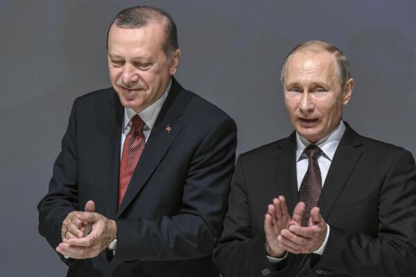 Le président turc Recep Tayyip Erdogan et son homologue russe Vladimir Poutine réunis en octobre2016 à Istanbul, lors du Congrès mondial de l'énergie