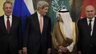 Les ministres des Affaires étrangères russe, américain, saoudien et turc réunis à Vienne pour les pourparlers sur la Syrie, le 29 cotobre 2015.