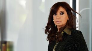 L'ancienne présidente argentine est accusée de favoritisme dans l'octroi de marchés publics.