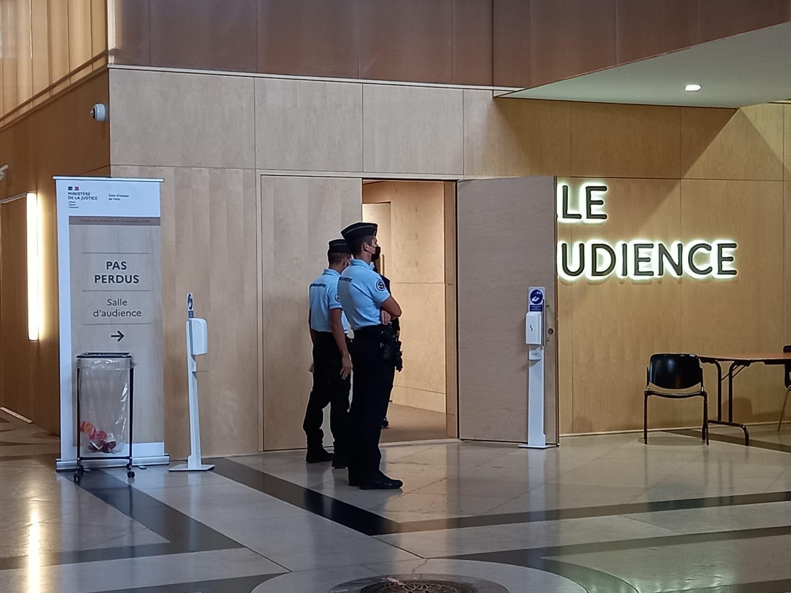 Entrée de la salle d'audience du procès des attentats du 13 novembre 2015.