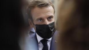 Emmanuel Macron le 6 octobre 2020 à l'hôpital Rothschild