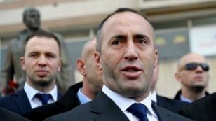 """Pendant le conflit, Ramush Haradinaj dirigeait l'unité baptisée les """"Aigles noirs"""" qui contrôlait une région frontalière de l'Albanie, principale voie d'entrée des armes destinées à l'UCK."""