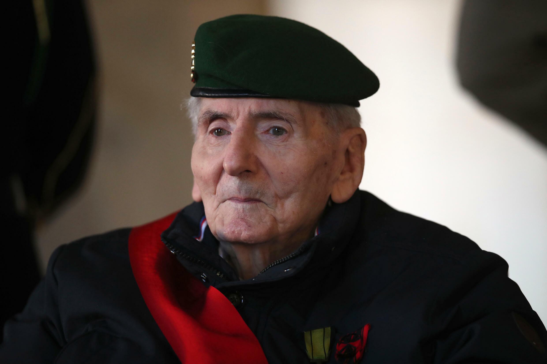 Hubert Germain, último superviviente de los Compañeros de la Libertad, durante una ceremonia en los Inválidos, en París, el 12 de octubre de 2021