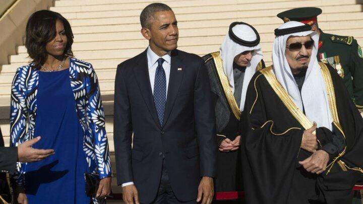 الملك سلمان بن عبد العزيز والرئيس الأمريكي باراك أوباما رفقة زوجته
