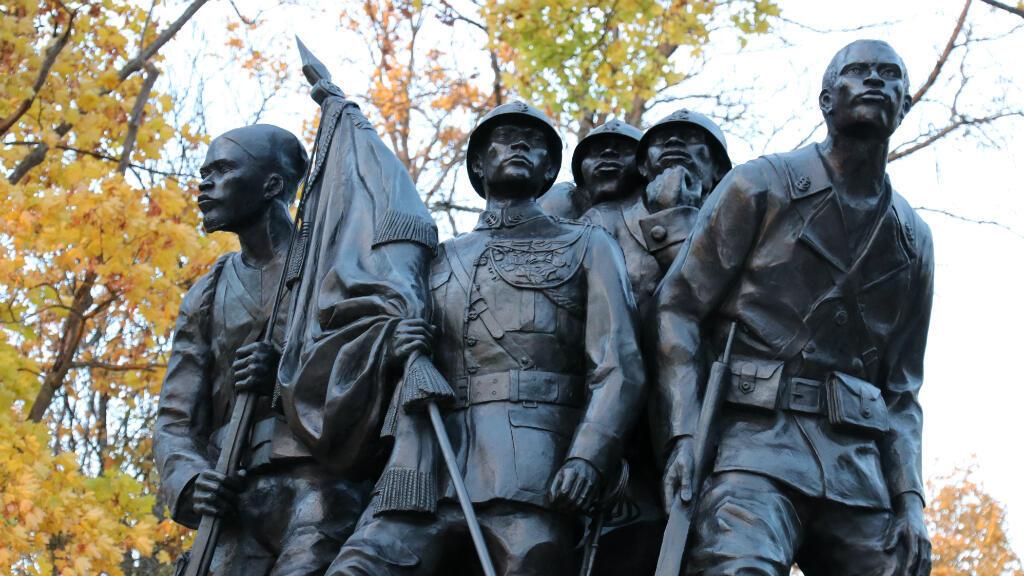 Le monument aux héros de l'Armée noire de Reims.